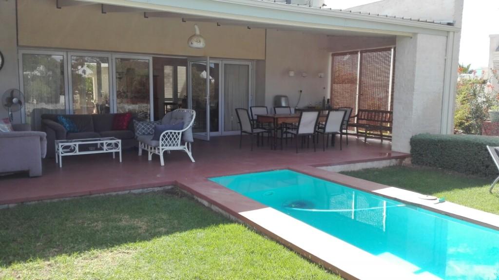 Swimming-pool-and-main-patio